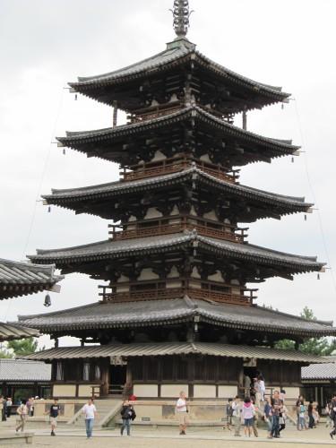 architecture japonaise ancienne du japon et des fleurs. Black Bedroom Furniture Sets. Home Design Ideas
