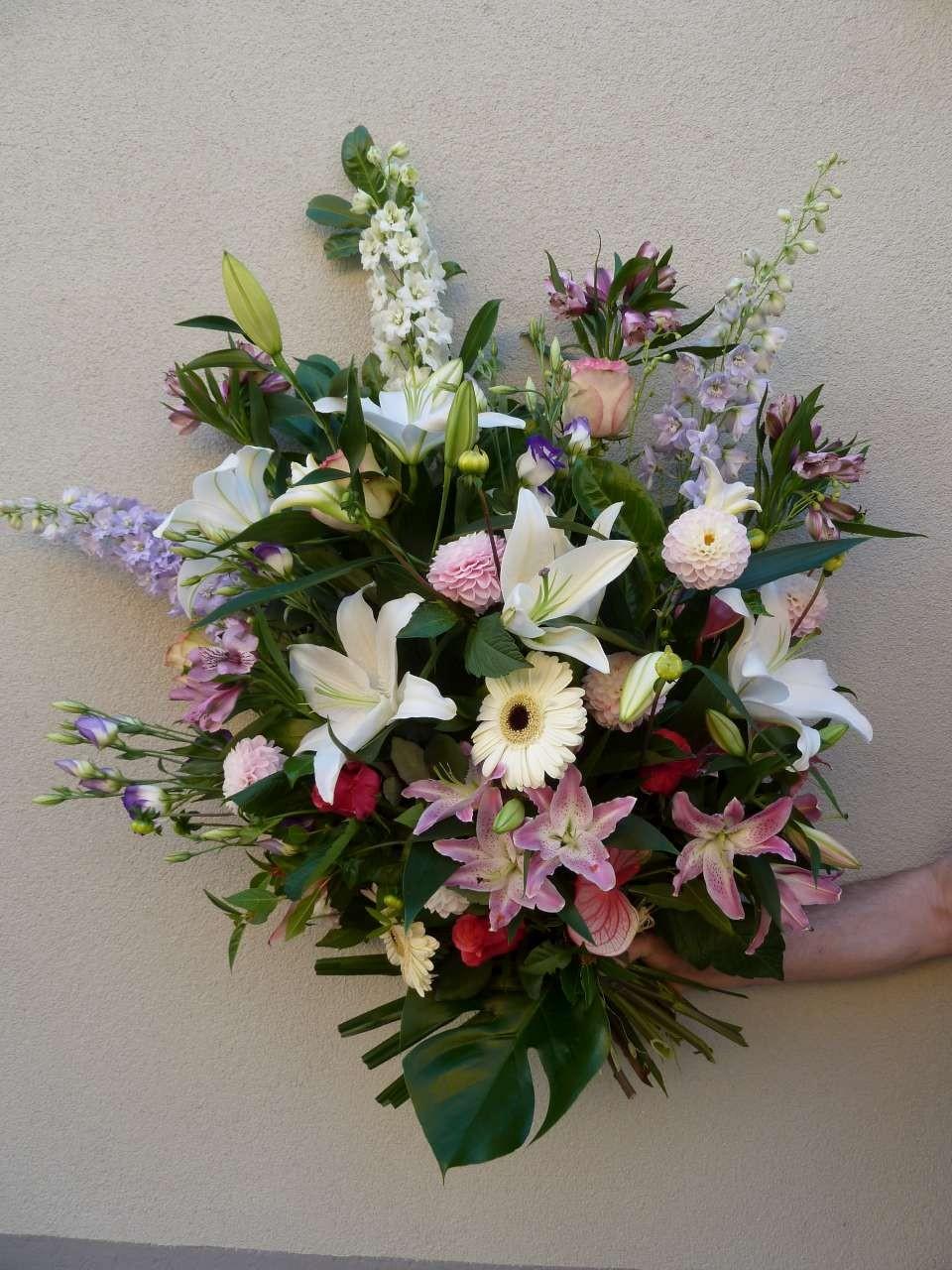 couronne de fleurs enterrement prix du japon et des fleurs. Black Bedroom Furniture Sets. Home Design Ideas